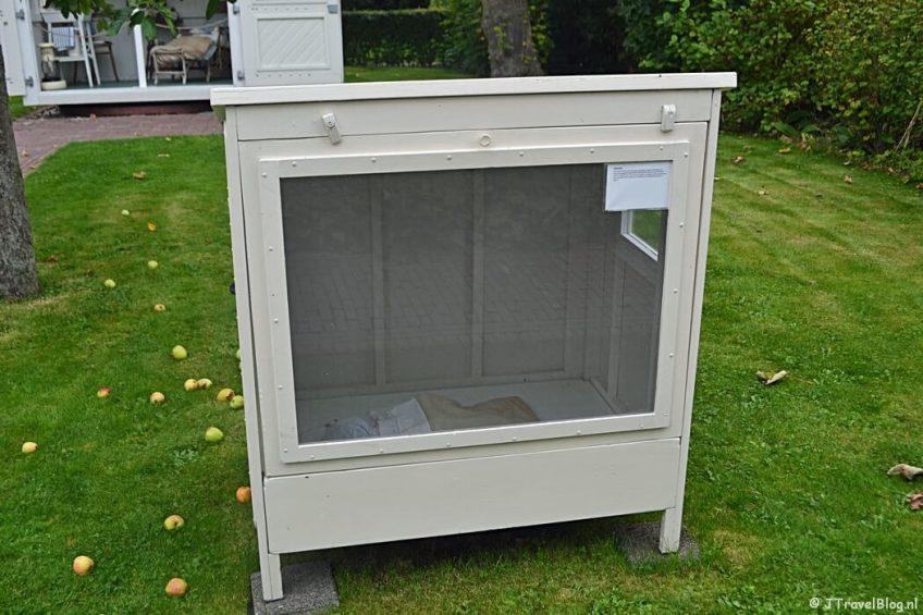 Het babyhuisje in Openluchtmuseum Het Hoogeland in Warffum