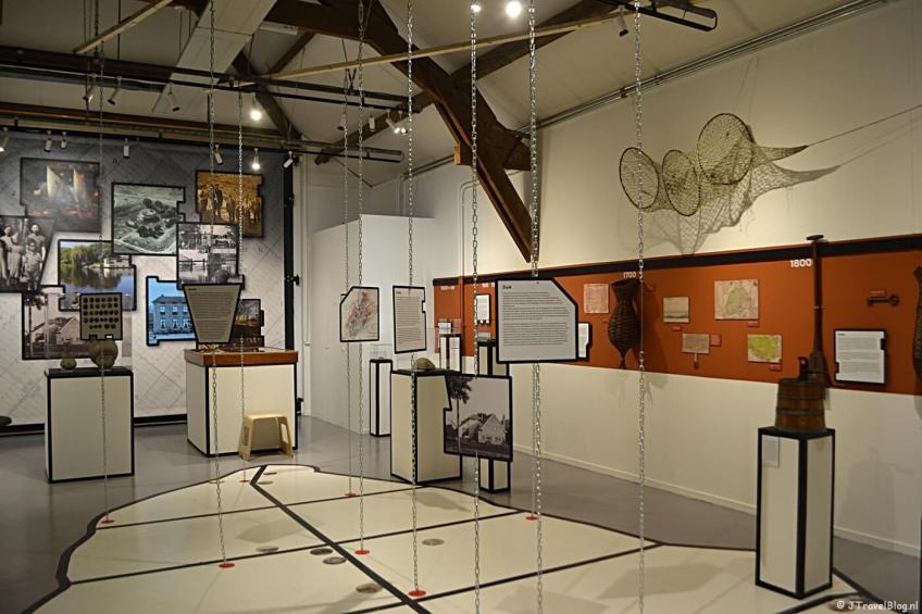 De tentoonstelling 'Schakels - Een reis langs betekenisvolle plekken van Haarlemmermeer' in het Historisch Museum Haarlemmermeer in Hoofddorp