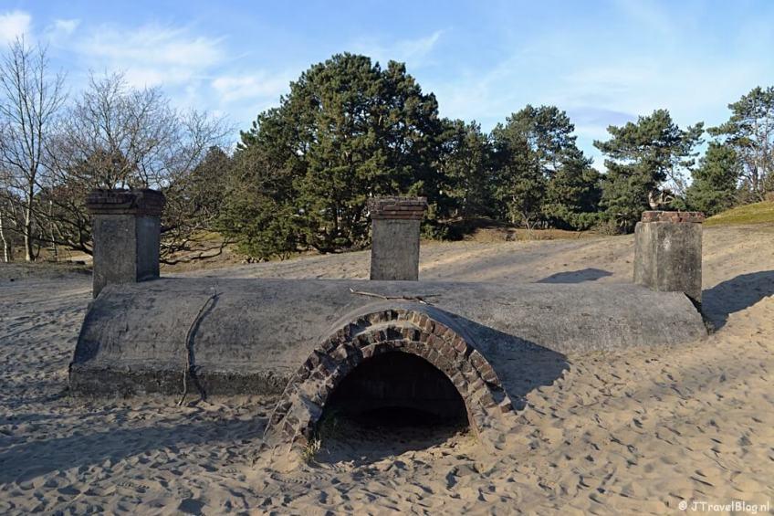 De keukenbunker tijdens de bunkerroute in de Amsterdamse Waterleidingduinen