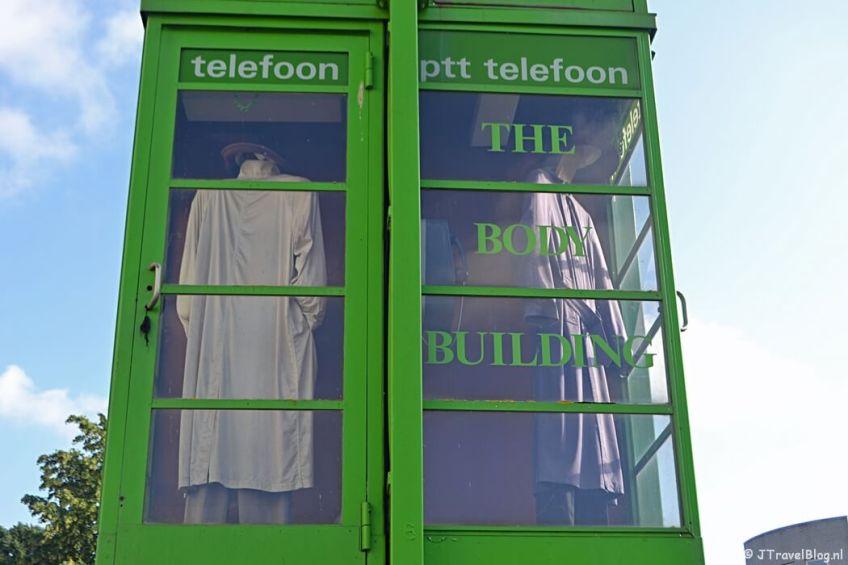 Het kunstwerk Body Building van Jan en Paul Schietekat tijdens mijn wandeling langs de Beeldengalerij in Haarlem