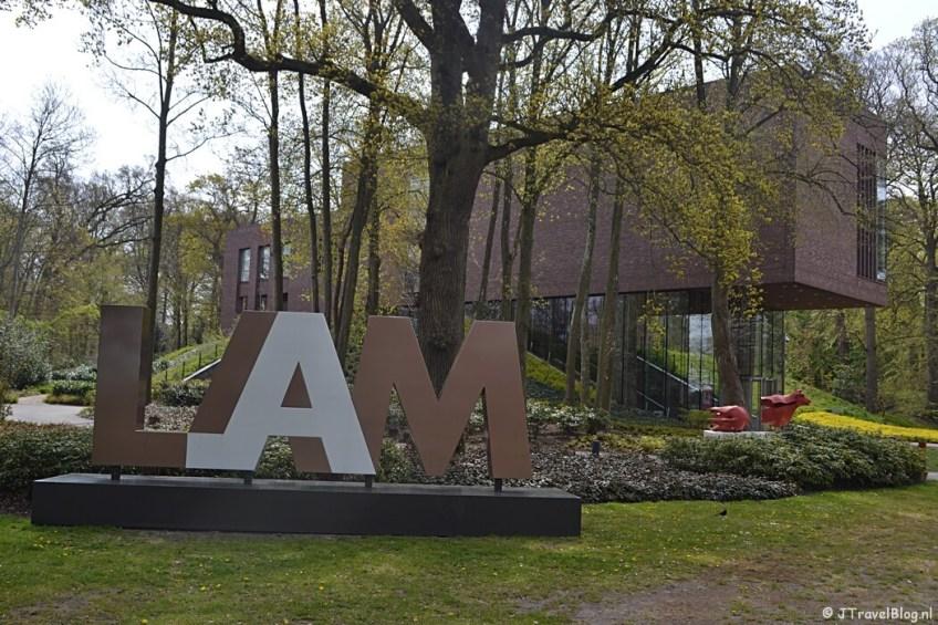 Het LAM (Lisser Art Museum) op het terrein van Kasteel Keukenhof tijdens de Trage Tocht Lisse
