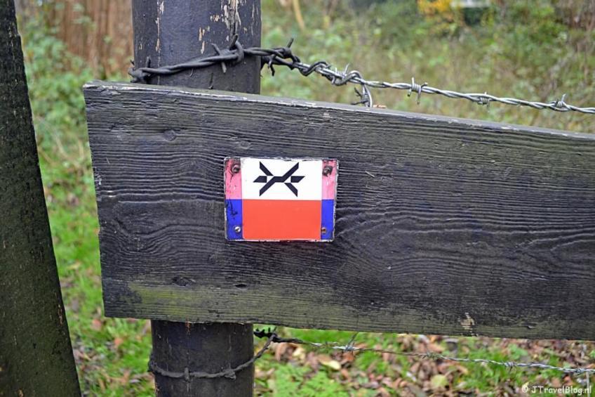 Markeringsteken van het Westerborkpad tijdens de 4e etappe van het Westerborkpad
