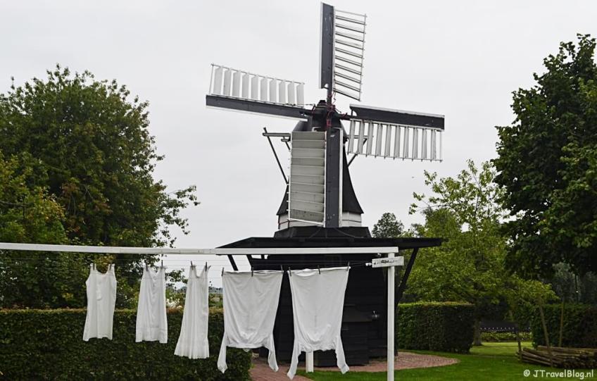 Molen De David in Openluchtmuseum Het Hoogeland in Warffum