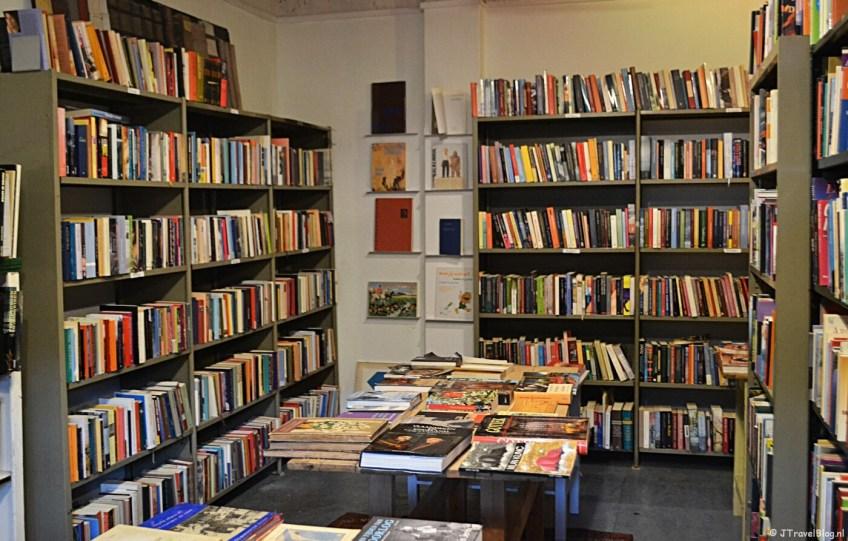 De bibliotheek van Van Dijk & Ko in Amsterdam-Noord