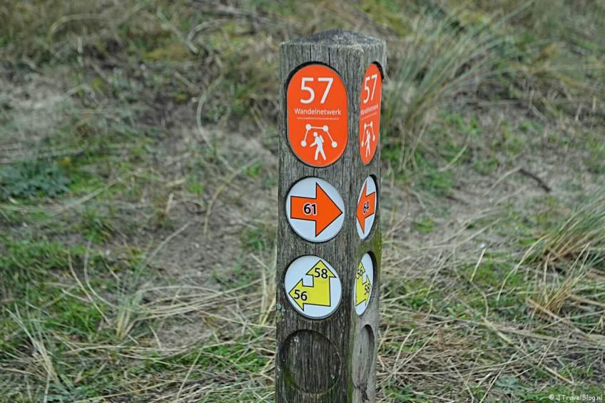 Wandelen in de duinen van IJmuiden: paaltje 57