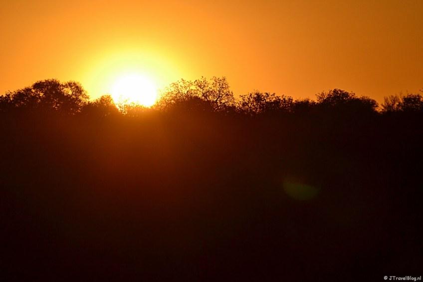 Zonsondergang in Tshukudu Game Reserve in Zuid-Afrika oktober 2012