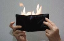 DOMPET API SULAP Dompet dibuka mengeluarkan api. Tidak berbahaya, penggunaannya mudah. Menarik untuk atraksi dadakan. BISA DI PAKAI UNTUK DOMPET BIASA ecer : 60.000 grosir 3pcs : 55.000