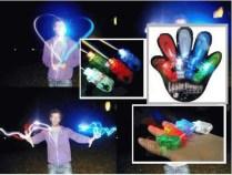 JUAL LED FINGER LASER BEAM LIGHT GROSIR ECERAN TERMURAH ( 1 PAK = 4 Buah --> order kelipatan 4 Buah ) Laser Finger Beam light adalah sebuah alat mainan yang bisa digunakan oleh anak-anak ataupun orang dewasa. Bisa digunakan pada pesta-pesta, acara di diskotik dan lain-lain ( digunakan pada acara malam). Sangat menarik karena dapat mengeluarkan sinar-sinar laser berwarna-warni, menggunakan bahan yg elastis sehingga mudah untuk dipakai di jari. Laser Finger Beam light Membuat acara semakin meriah, heboh, dan tentunya menjadi beda dengan pesta-pesta sebelumnya. Dapat juga digunakan untuk efek Bulb Pada Fotography. Ayoo..belikan anak2 / Keponakan/ teman2 anda sekalian dengan memberikan hadiah unik ini SPESIFIKASI Laser Finger Beam light : * Laser Finger Beam * Isi : 1 Pack ( Terdiri dari 4 buah laser Finger) * Warna : Merah, Putih, Hijau, Biru * Ukuran : 42mm x 15mm x 16mm ( Tinggal memasukan ke jari jemari anda) * Sudah termasuk Batery yg bisa diganti ulang ecer : 10.000 grosir 3pcs : 7.500