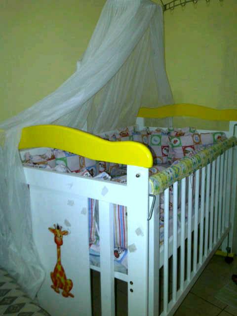 Box bayi dan perlengkapannya  Menyediakan perlengkapan