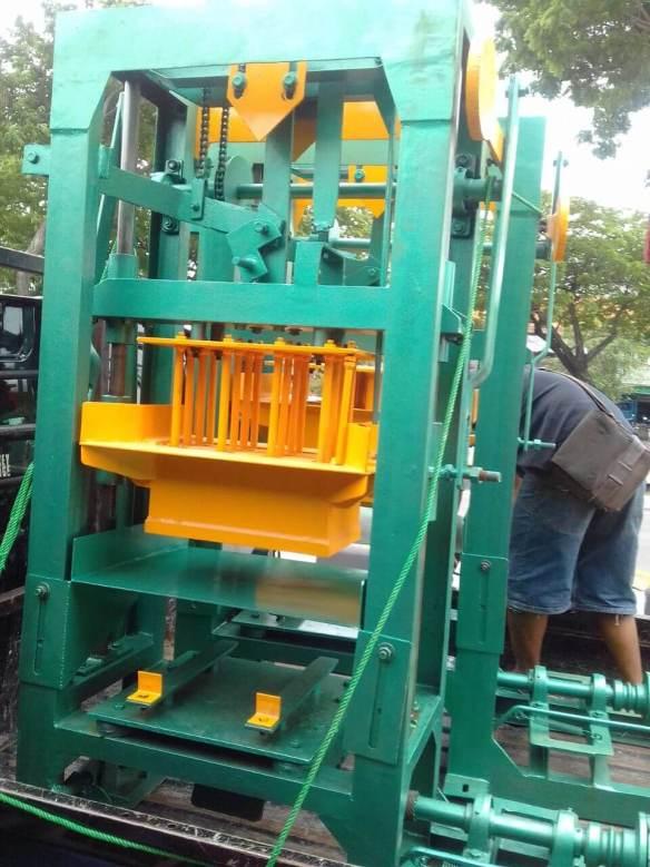 Jual mesin paving block murah di Pontianak