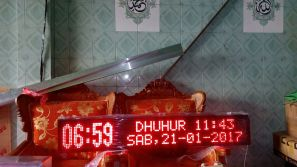 toko Running text banner di surabaya