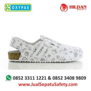 bianca-mug-jual-sepatu-perawat-medis
