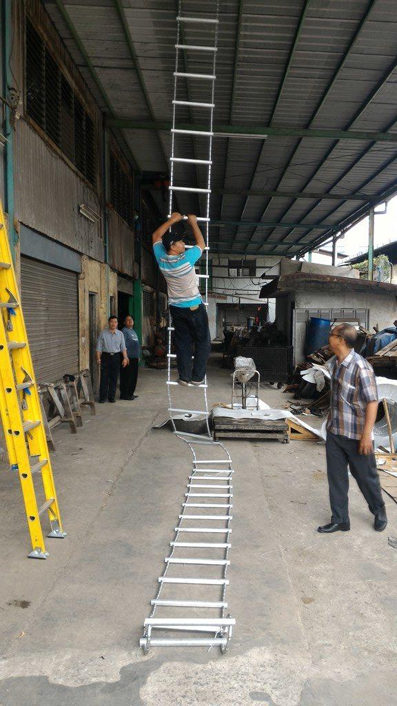 Tangga Darurat Escape Ladder Baja Aluminium  Tangga Lipat