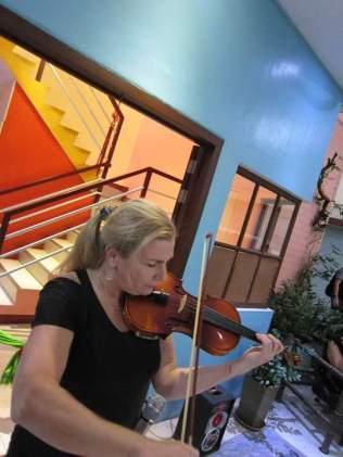 Violin by Jeanette Kamphuis.