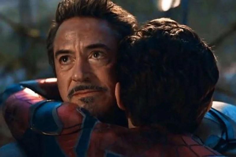 iron man abraza a spider man