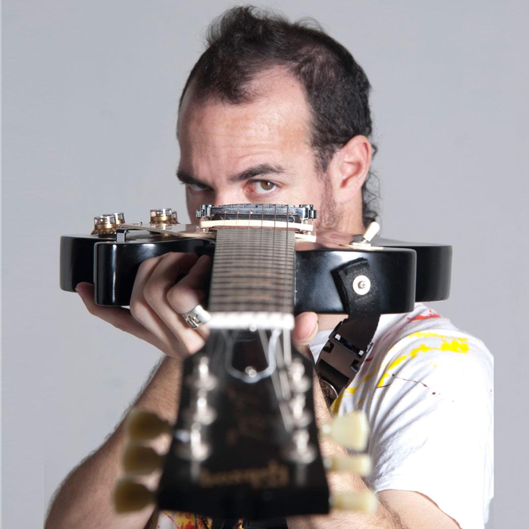Juan Carrizo | Rock guitarist | Composer | Traveler