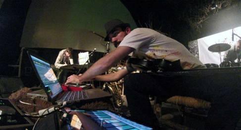 Juan Carrizo - dada en Centro Bealge - Perilleando