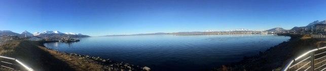 Ushuaia - Fin del mundo - El Canal de Beagle desde la costa