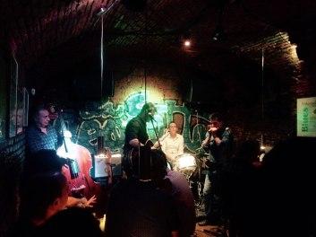 Juan Carrizo [Viajes] Madrid - Blues en un sótano random