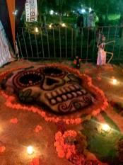 Dia de muertos en MIxquic - Adornos y calacas