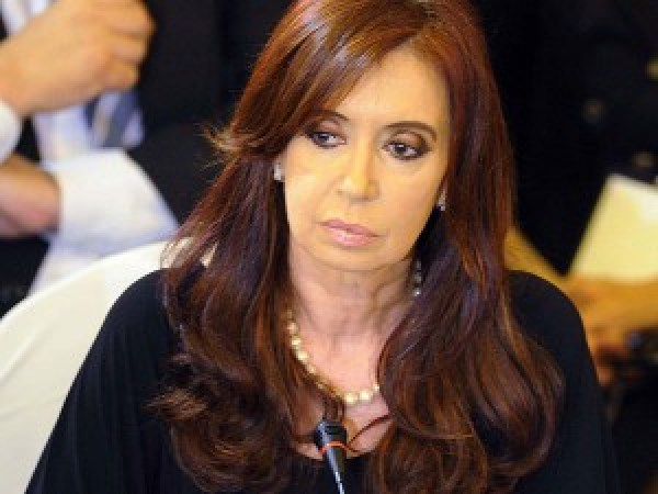 Cristina Kirchner maneja bien su papel populista de viuda