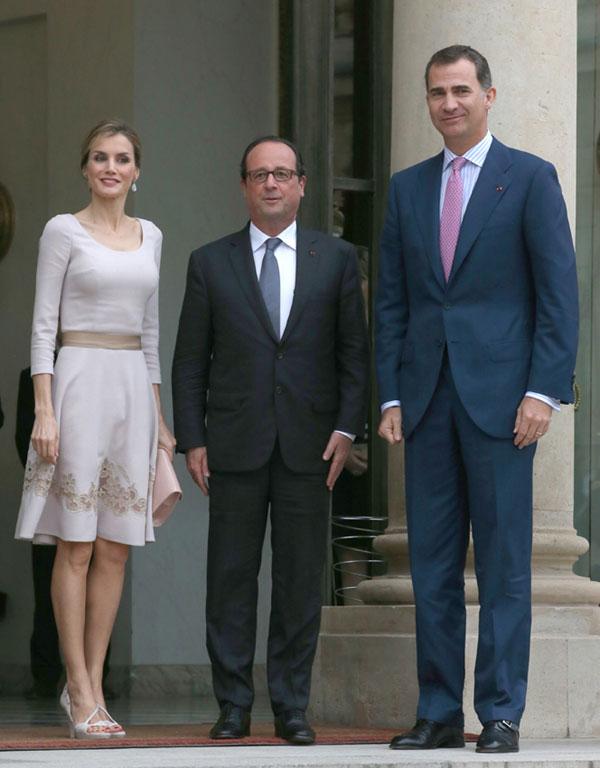 Observa la diferencia de altura entre Holland y Los Reyes de España.