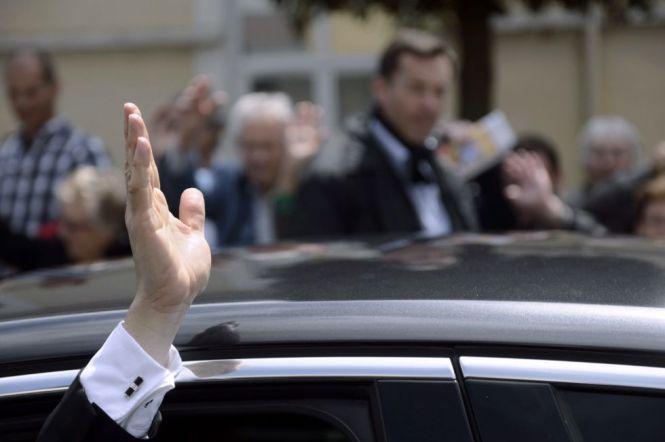 Las manos de Sarkozy. Reuters