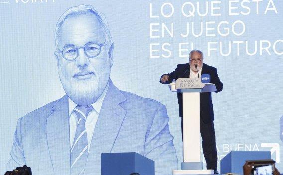 La imagen de hombre cercano y bonachón ayudará al que fue Ministro de Agricultura a ganar adeptos