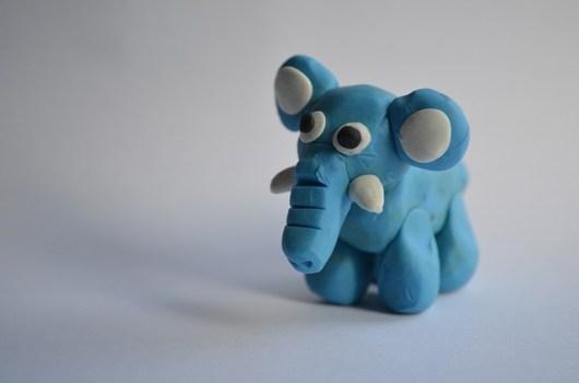 Elefante de plastilina.