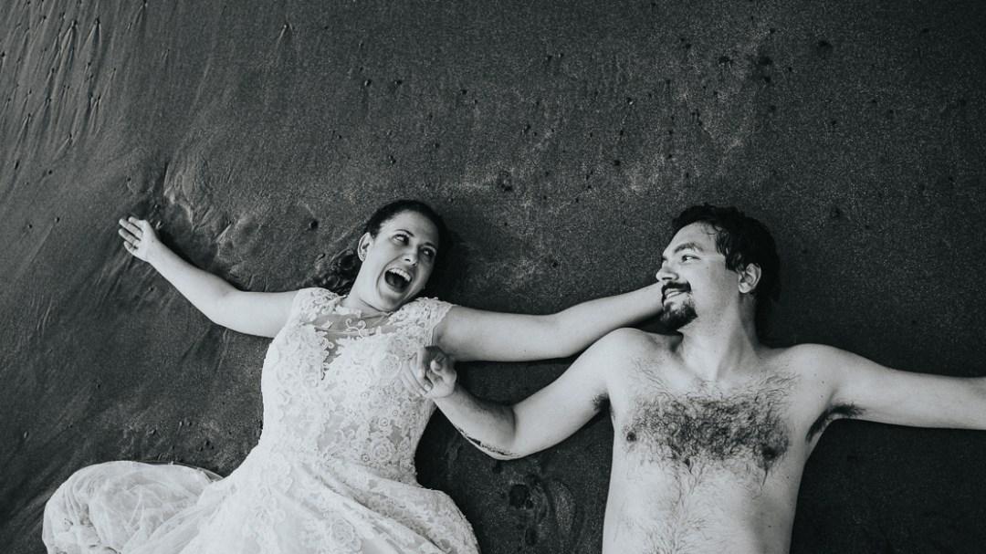 Postboda, trash the dress, Anaga Tenerife. Juanjo Velázquez Fotógrafo. fotógrafo de bodas Tenerife. Qué hacer con el vestido de novia.