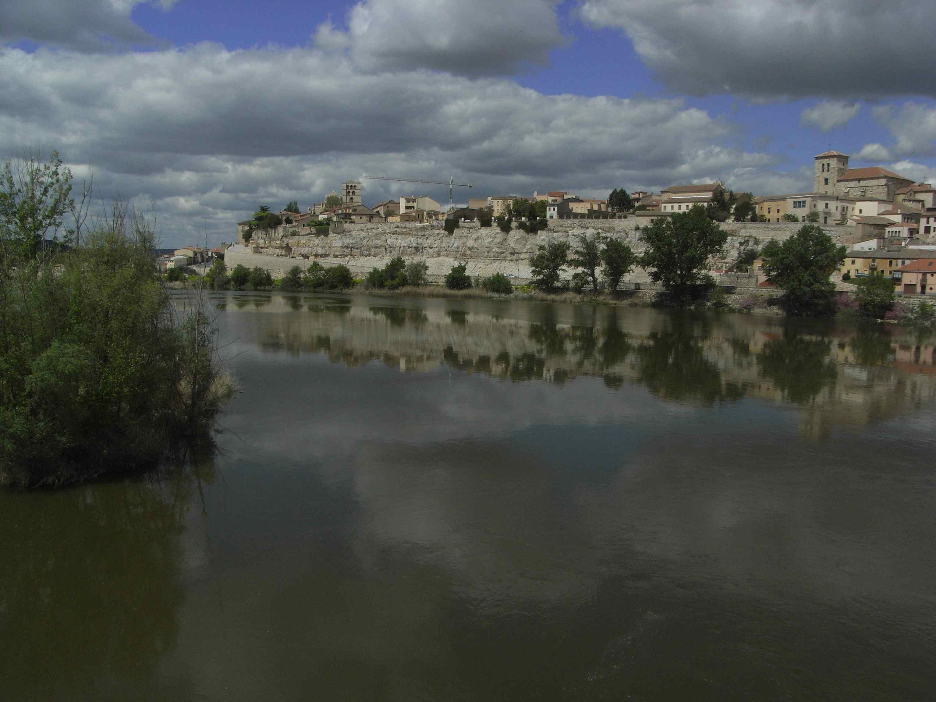 Vista desde el puente medieval
