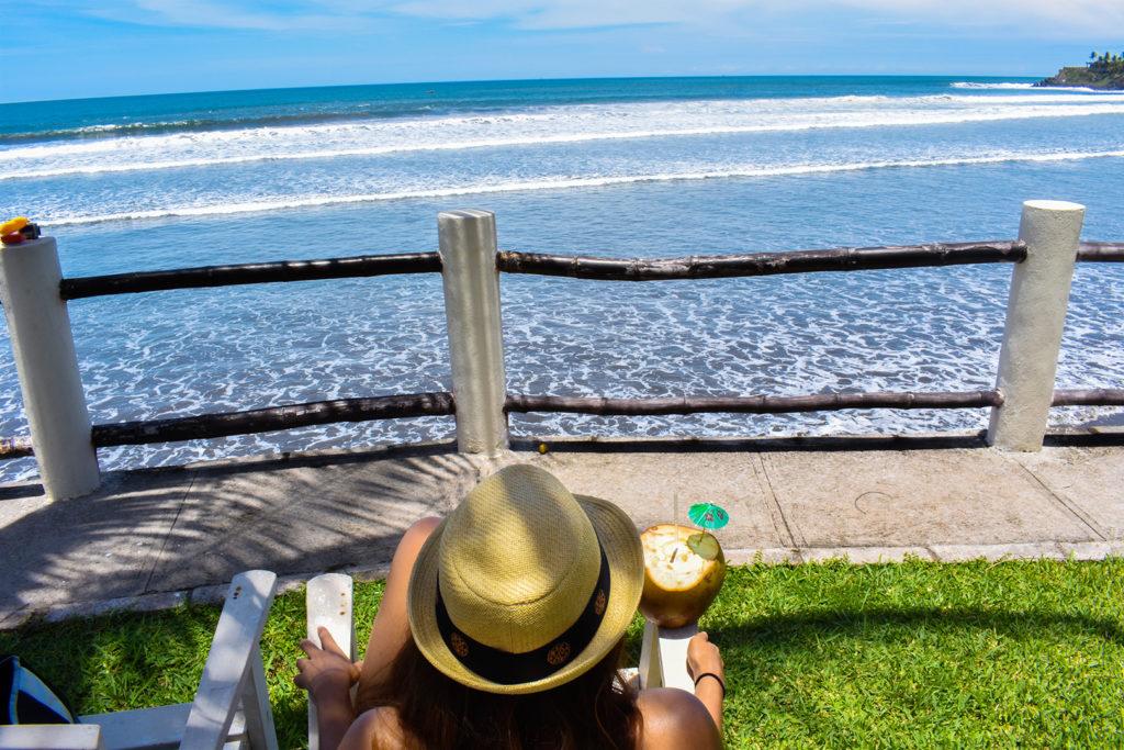 Vista de la Playa las Flores en Chirilagua, San Miguel