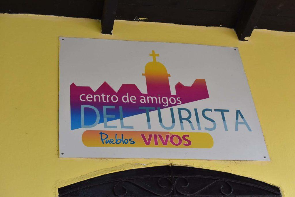 Fachada del Centro de Amigos del Turista
