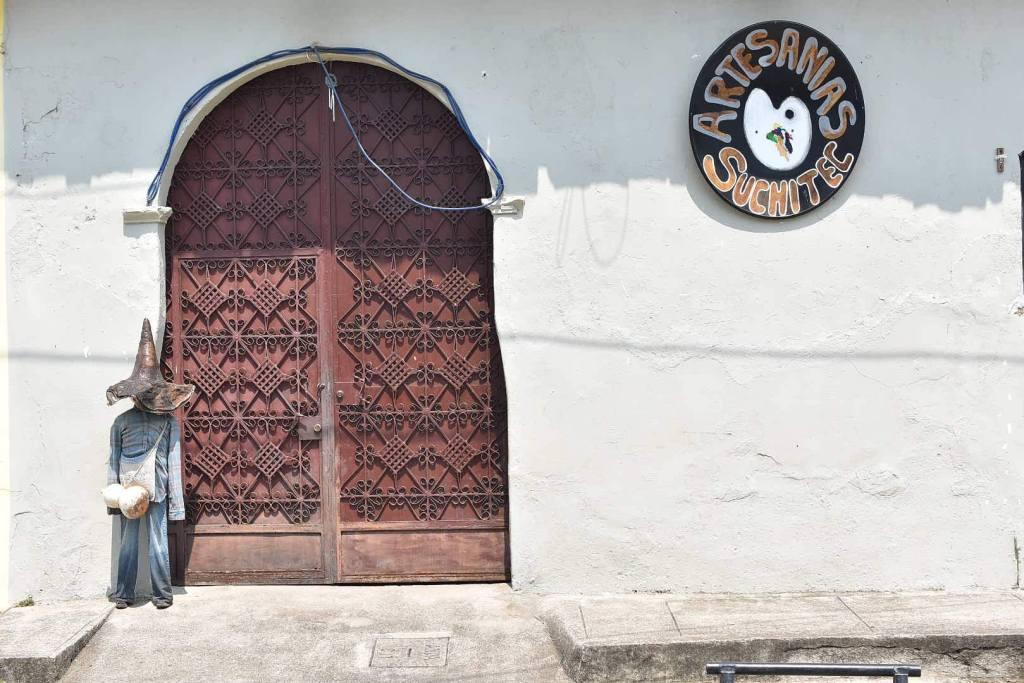 Foto de la fachada de Artesanías Suchitec