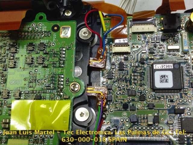 Varias conexiones eléctricas de circuito impreso de la cámara fotográfica Nikon modelo D 60