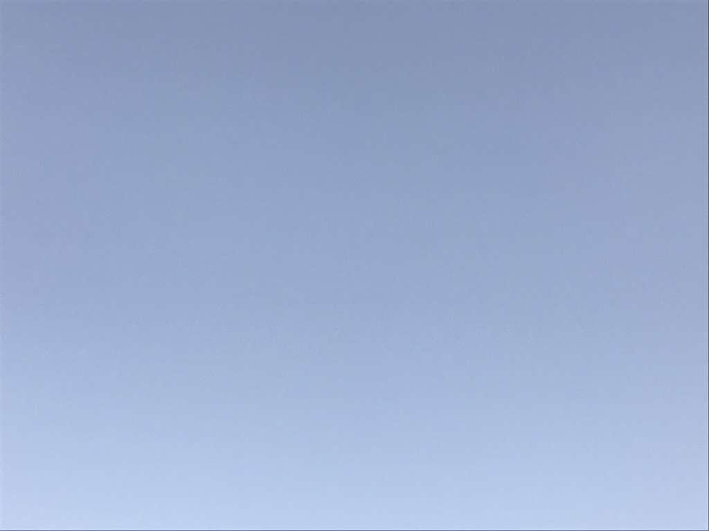 Foto del cielo sacada para verificar la existencia de polvo en el sensor de una camara de fotos digital