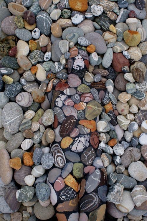 Body painting piedras