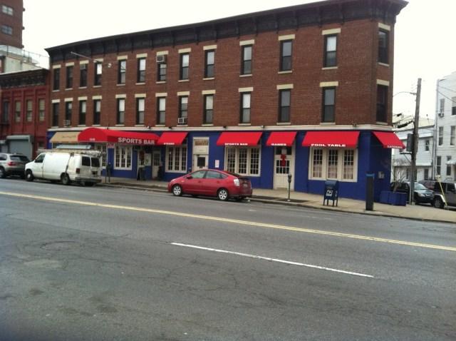 New Sports Bar on Jackson Ave
