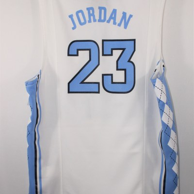 Micheal Jordan North Carolina Jersey | Size 8