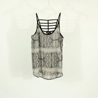 B. Wear Black Patterned Blouse | Size L