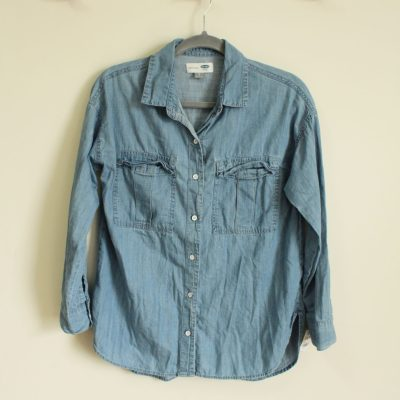 Old Navy Boyfriend Fit Chambray Shirt | Size S
