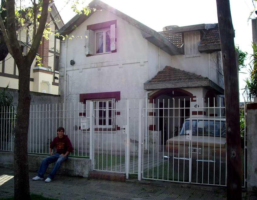 Ich vor dem Haus unserer Gastfamilie, Vergara 2969