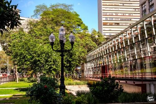 Biblioteca Mário de Andrade - Jardim e Corredor de vidro - Fotografia: Juca Lopes