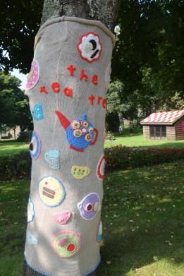 The Tea Tree - Milford Haven Yarn-bomBing