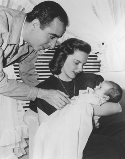 Vincent Minnelli, Judy Garland and Liza Minnelli, May 1946