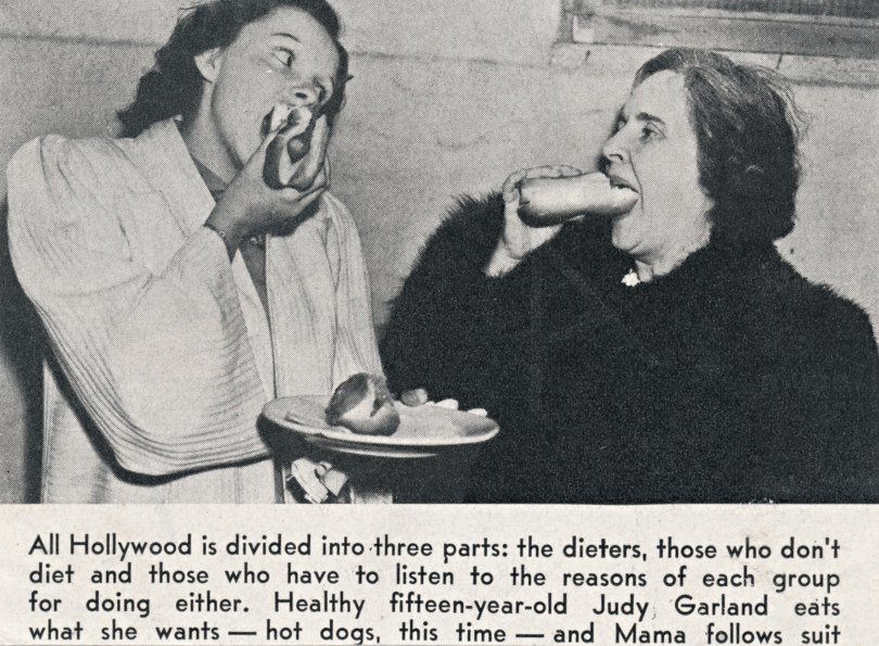 Judy Garland and mom Ethel Gumm enjoy hot dogs, circa 1937