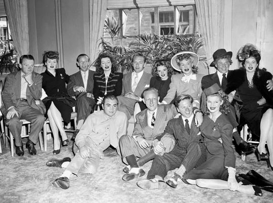 1943-BOND-TOUR-St-Moritz-Hotel