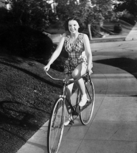 judy-garland-riding-a-bike