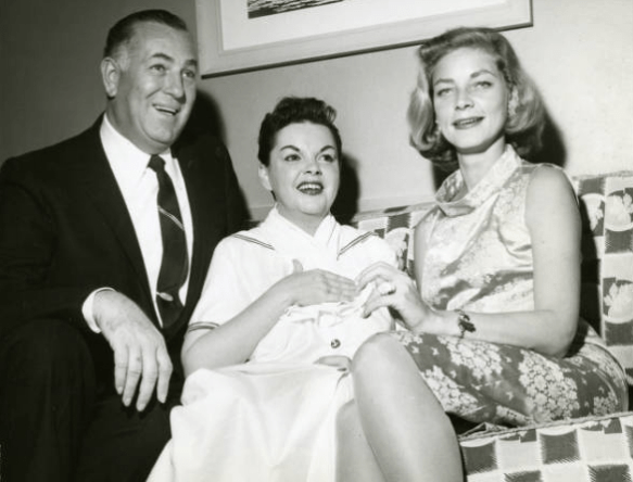 October-12,-1958-Vegas-Photographer-Jack-Entratter-Bacall-at-the-Sands-Hotel