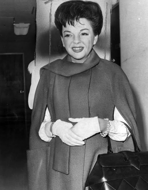 Judy Garland at attorney's office for deposition
